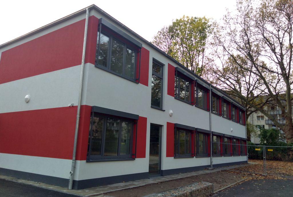 Der Pavillion auf dem Schulhof.